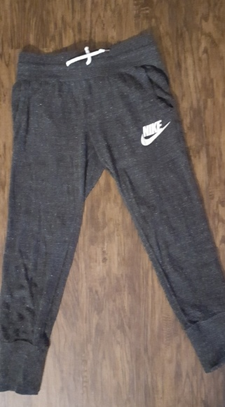 Nike charcoal gray cropped joggers Womens xs
